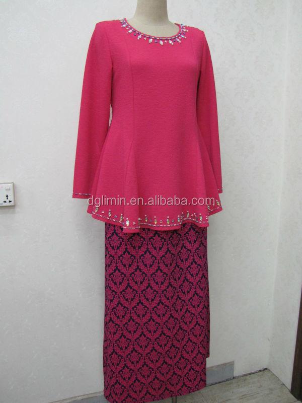 Plain Pink Kebaya Red Floral Sarong Beaded Neck Beading Hem Baju ...
