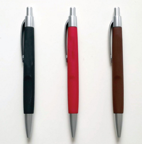 cheap colored accessories plastic ballpoint pen, big clip for logo