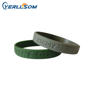 Fashionable Style Customized silicone wristbands with personal logo 1/2inch Embossed Printed Silicone Bracelets For Y062202