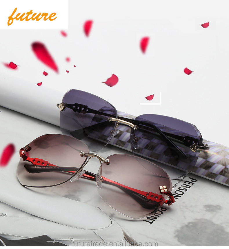 2017 Future Fashion CE Gradual Luxury Diamond Sunglasses Rimless HD Brand Designer Vintage Sport Frame Eye glasses