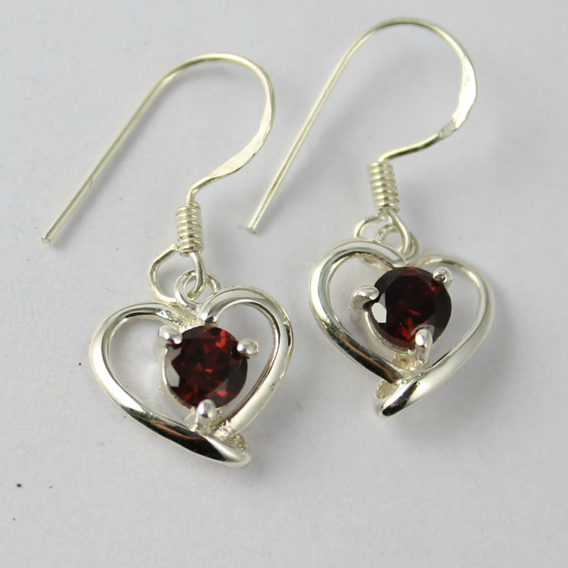 Designer heart shaped Lighte weighted earring factory