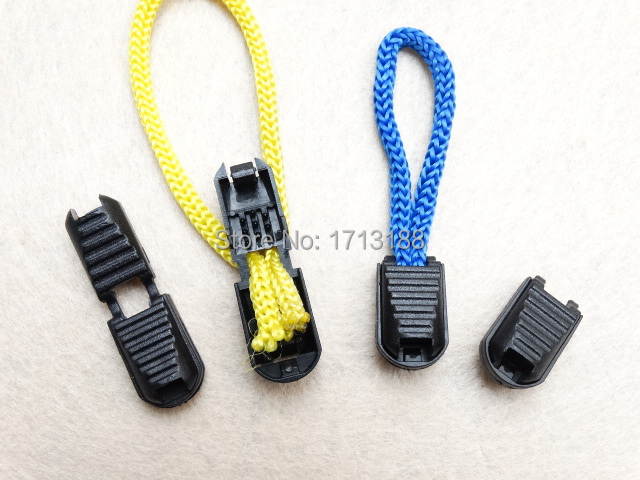 25 Pack Plastic Zipper Pull Cord Ends Lock Stopper Black for Paracord Straps//Backpack//Clothes Zipper
