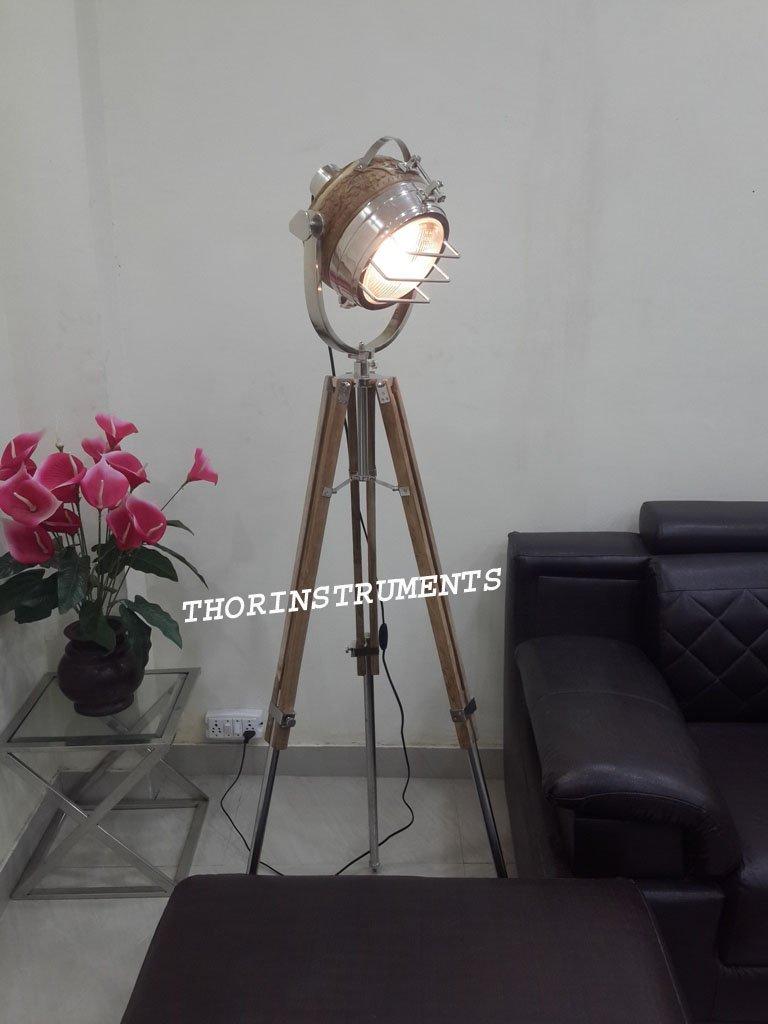 Nautical Vintage Designer Wooden Floor Lamp Spot Studio Tripod Search light