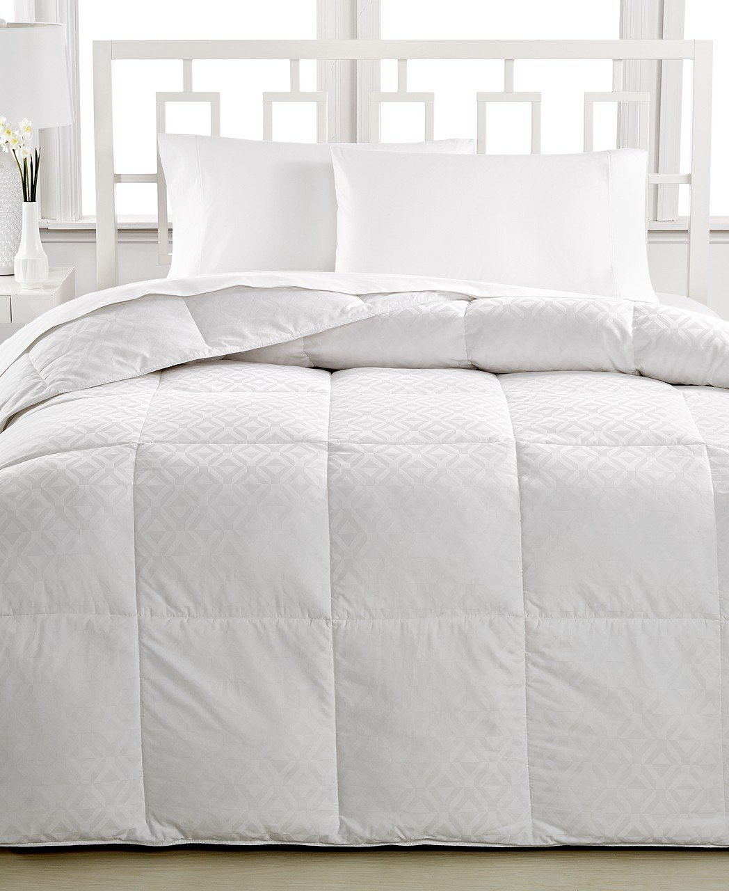 comforter eyelet bedspreads quilt king white queen twin down size nz coverlet xl macys