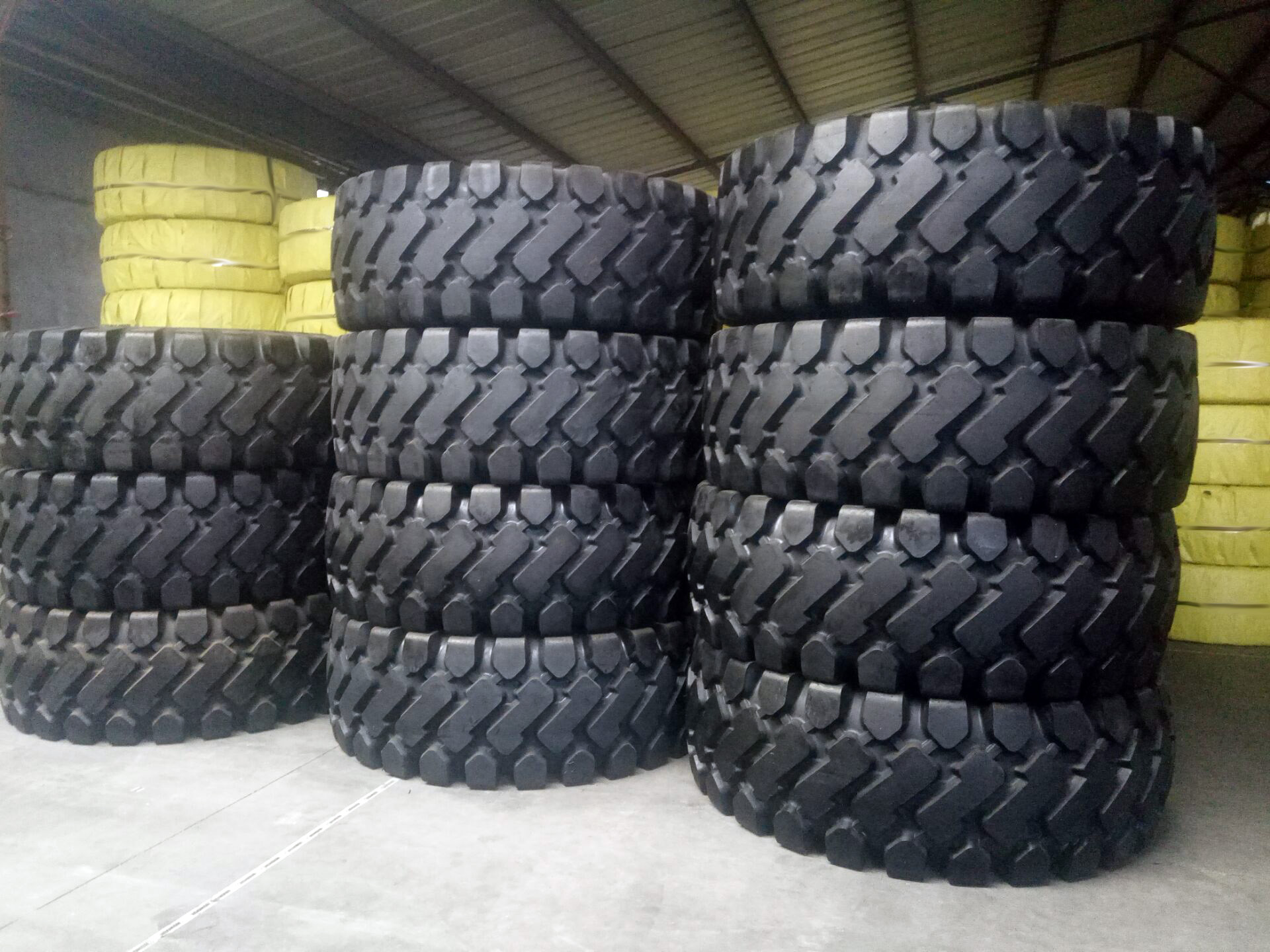 Bias OTR Tires 17.5-25 20.5-25 23.5-25 26.5-25 29.5-25  Loader Tyre from China factory
