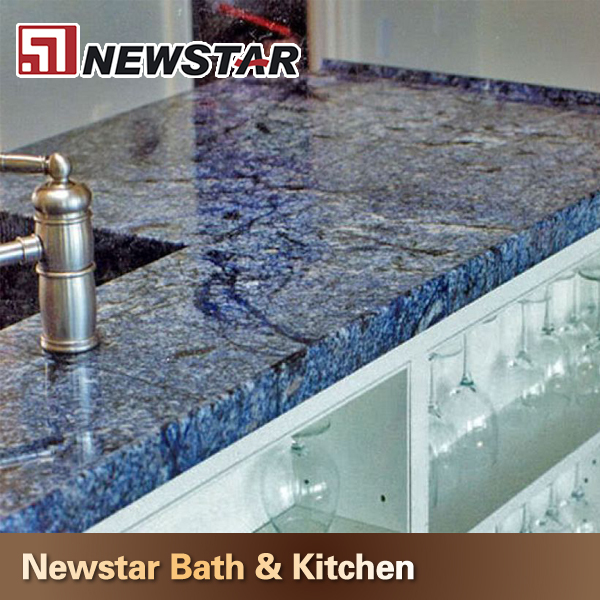 Blue Quartz Kitchen Countertops: Cucina Di Design Blu Scuro Controsoffitti Quarzo