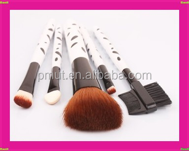 2015 new desin wood handle hot sale spot runner makeup brush