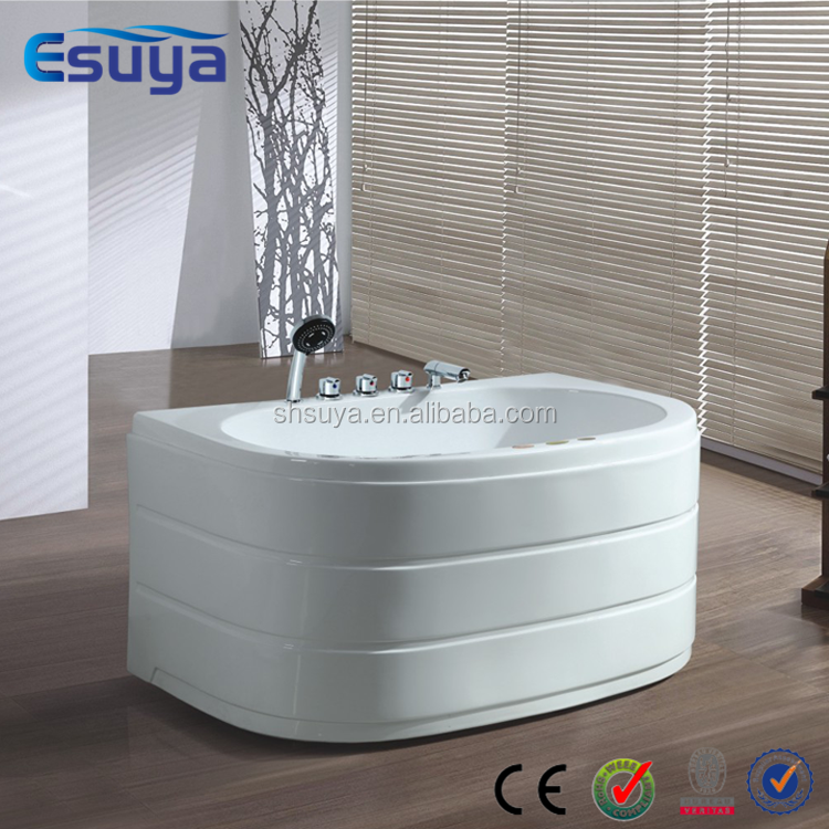 Simple new design freestanding home use small sitting clear acrylic bathtub