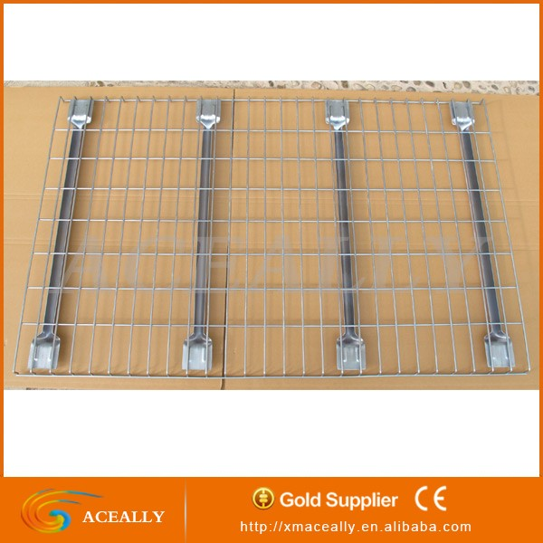 Pallet rack wire mesh grid decking panels