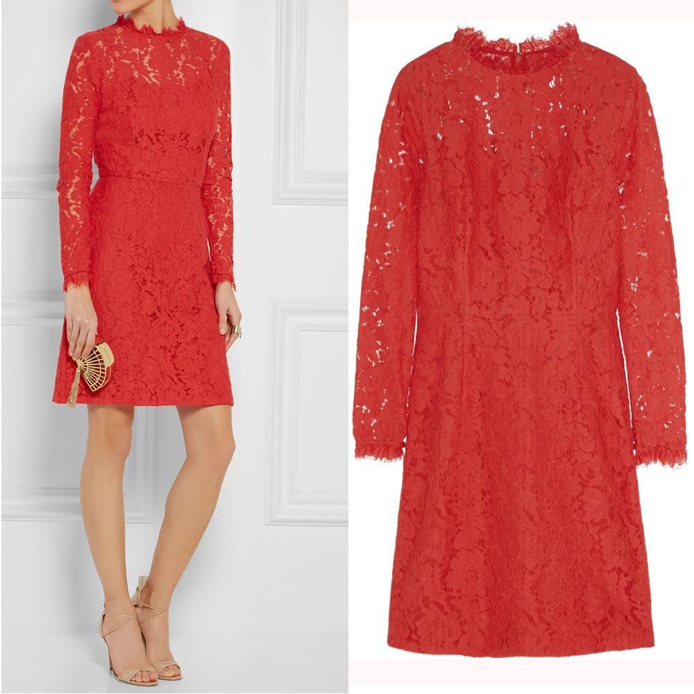 3edf2d30c9768 المرأة طويلة الأكمام الدانتيل فستان أحمر عارية، فتاة جميلة قصيرة فستان الدانتيل  الحمراء