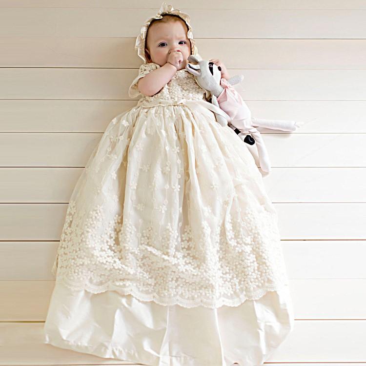 Stickerei Blumen Taufkleid Baby Kleider Neugeborenen Outfit Weißrosa Benutzerdefinierte Spitze Taufe Robe Mit Motorhaube Buy Stickerei Blumen