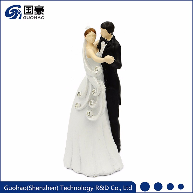 Custom marriage decoration lovely wedding couple figurine