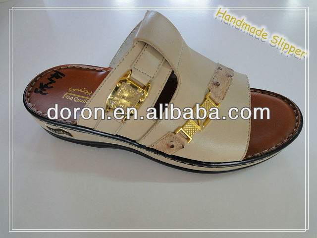 Classical design for Arab new models men slippers