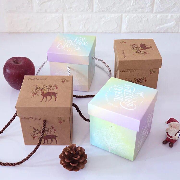 quadratische Kraftpapier-Geschenkverpackungskasten der kundenspezifischen Größe mit Seilgriff eingestellt