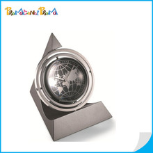 Charming Zine Alloy Desktop Pyramid Globe Gyro Clock