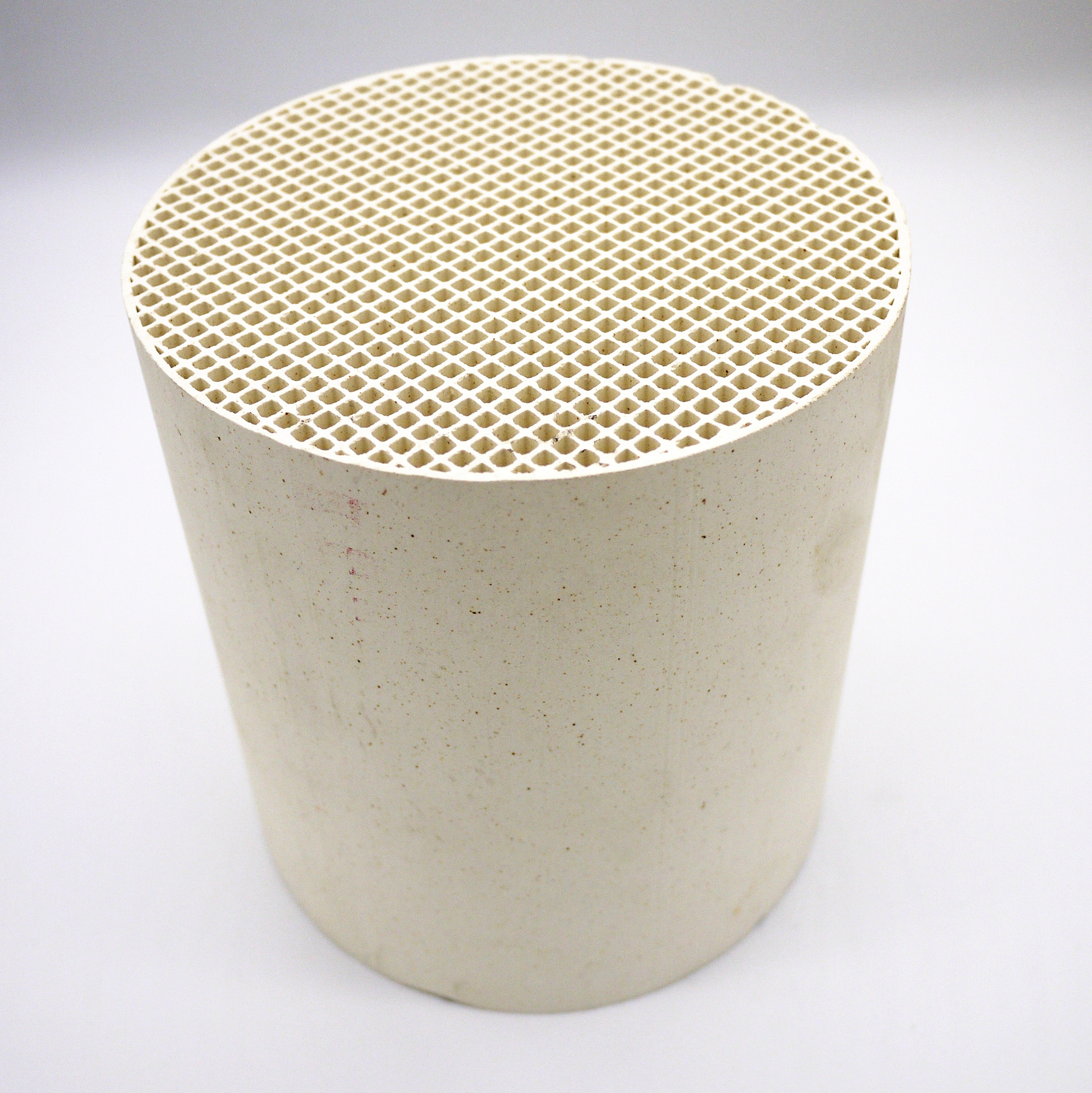 Manufacturer cheap 145mm*150mm Honeycomb <strong>Ceramic</strong> For ventilation systems