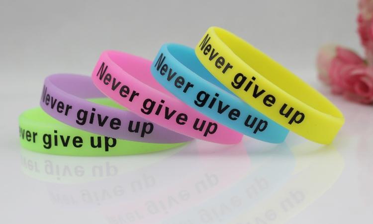 Новинка никогда не сдавайся браслет супер яркий световой силиконовый браслет 5 цвета браслет бесплатная доставка