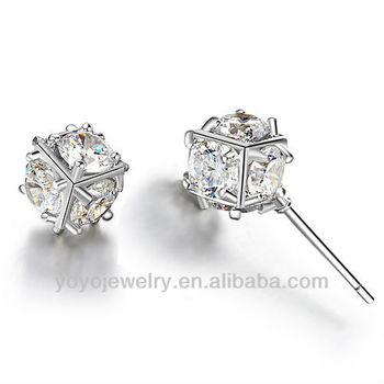E557 2017 New Design Artificial Diamond Earrings Stud