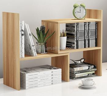moderne ontwerp mini boekenkast op studie bureau