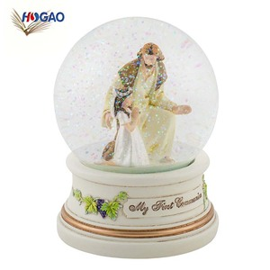 Custom resin souvenir gift religions figruines human snow globe with blowing snow