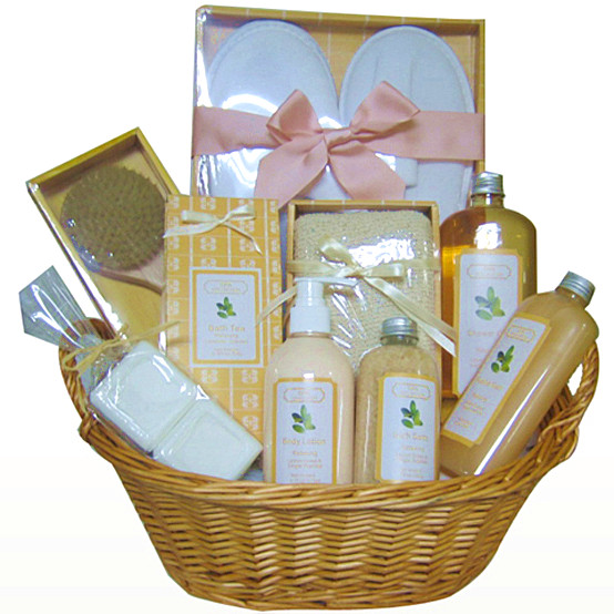 Classical Handmade basket elaborate bath gift set