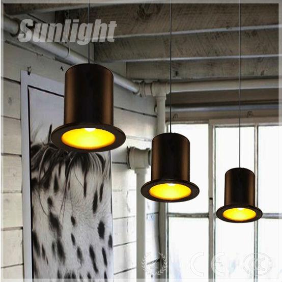 Interior lámpara industrial de la vendimia retro oro dentro de ...