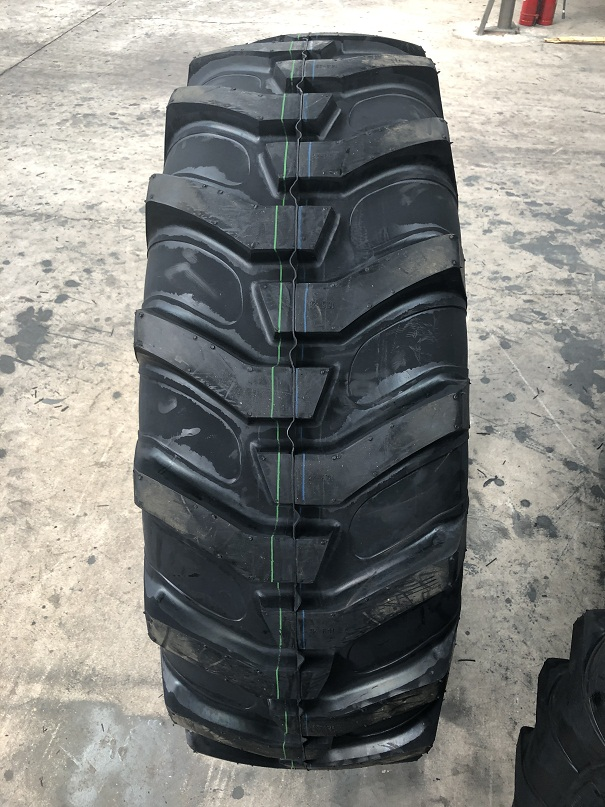 Industrial Bias Tire 16.9-28 Forklifts Scrapers Tyre R4pattern