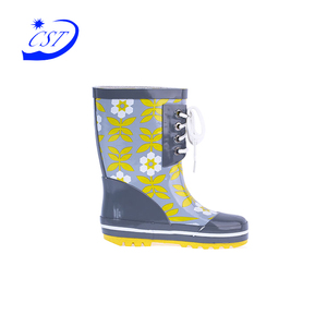 2017 Best economic umbrella fish pattern boot children wellies kids cartoon giraffe rain boots