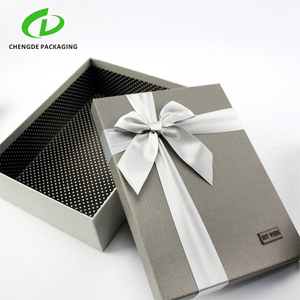 China factory custom logo cardboard luxury jewelry / clothes / bag gift packing box