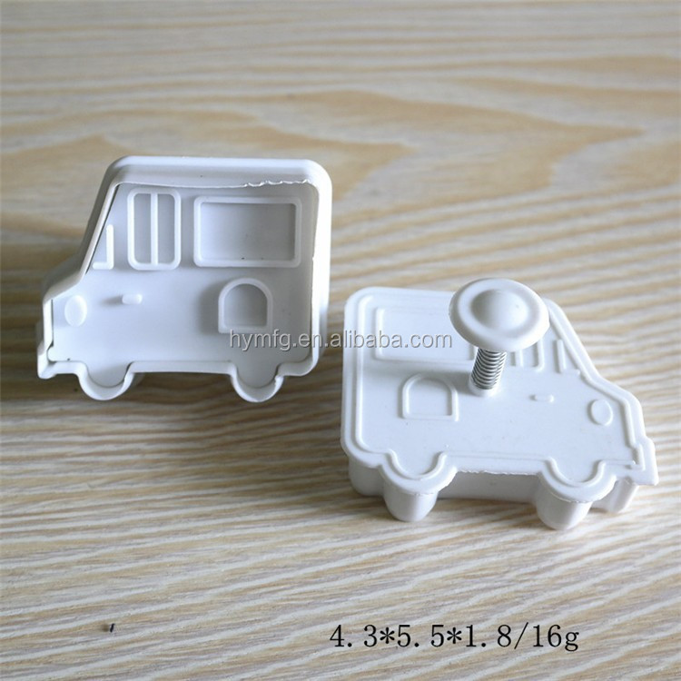 car shaped fondant plunger cutters and 3D cookie cutter