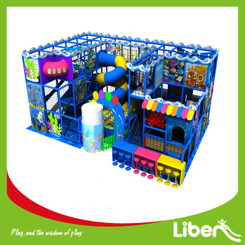 Modular indoor play center