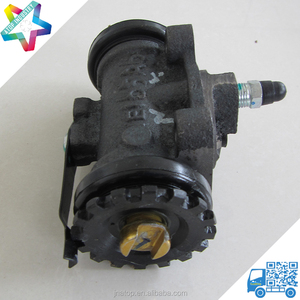 NPR light duty truck hydraulic brake wheel cylinder