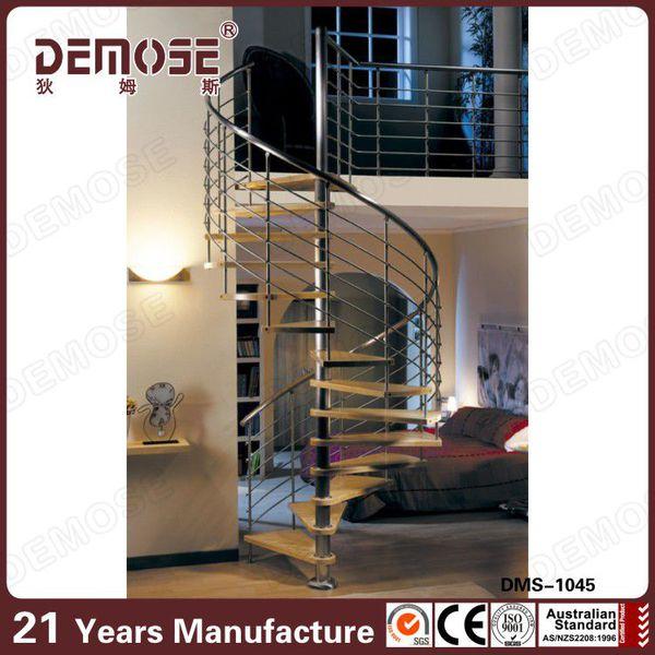 ronda de acero circular con cinta para escaleras