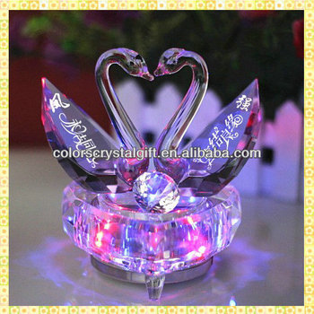 Wholesale Exquisite Cheap Crystal Wedding Favors Swan For Guest Takeaway Souvenirs