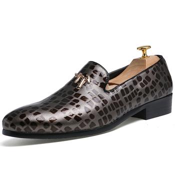 99dad6e9a Nova Moda em Couro de Negócios Sapatos Masculinos Sapatos Clássicos Homens  Oxfords de Couro Casuais Homens