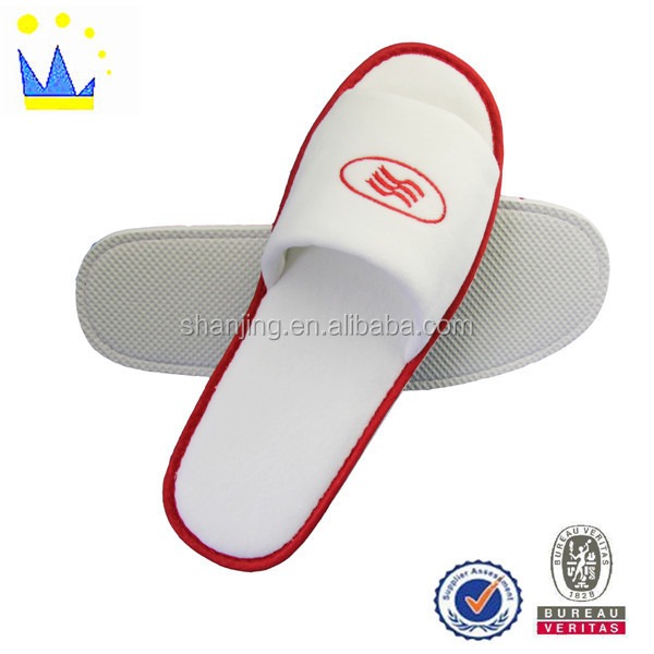 Bulk orders for custom-made small white terry hotel slippers for 3-5 star hotel slippers