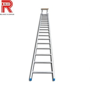 Strong secure aluminum ladder