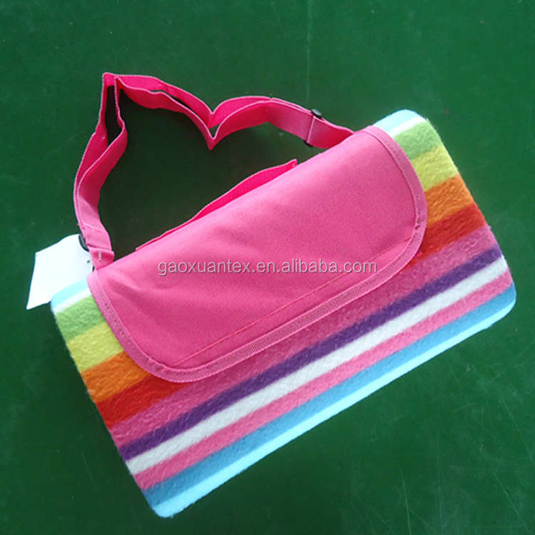 foldable 2 in 1 polyester printed stripe polar fleece 2mm sponge pvc/nylon waterproof picnic blanket
