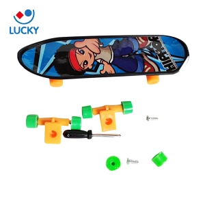 Wholesale plastic funny mini sport toy skate board tech deck finger skateboard