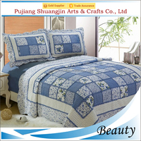 Professional handmade polyester fiber European style patchwork quilt with two pillow shams