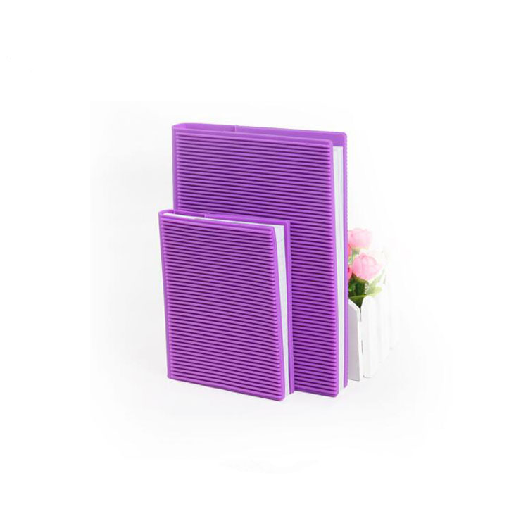 2018 wholesale simple design high quality silicone notebook