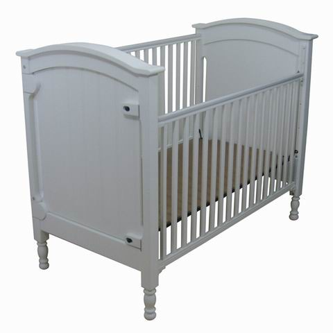 Euro Type Zealand Solid Wooden Baby Furniture Baby Crib