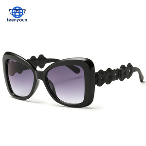 a962acae744 Sunglasses Women Cool Sun Glasses Summer Style Flower Decoration Temple  Famous Lady Brand Designer UV400 Oversized