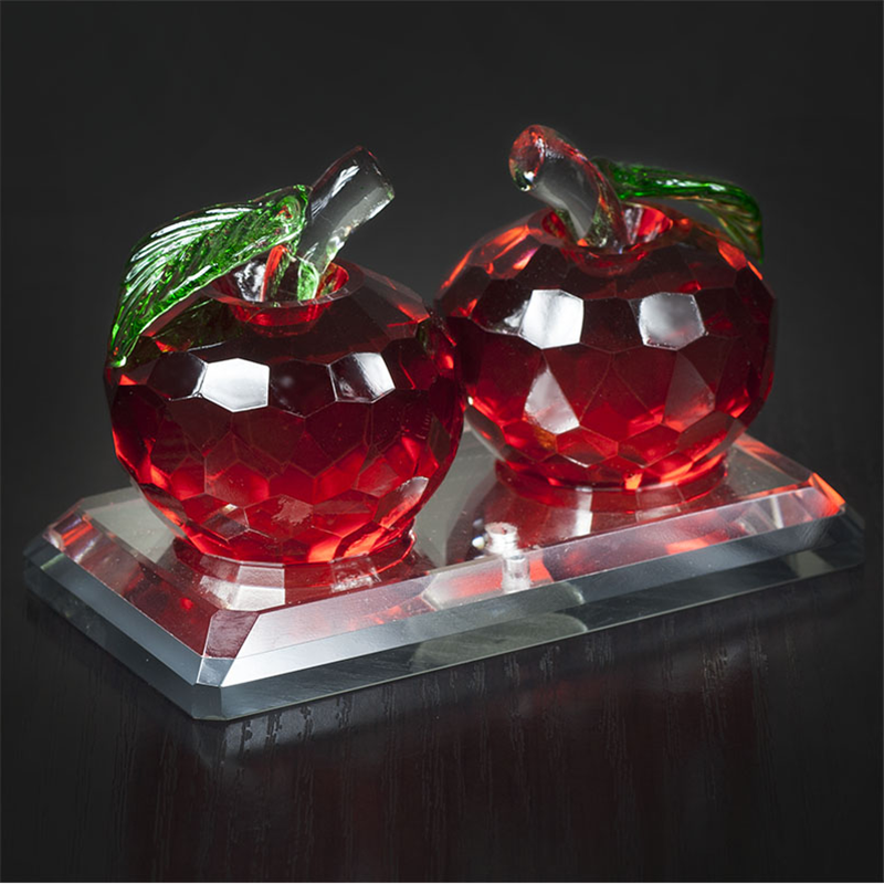 Wholesale New design crystal apple for wedding or souvenir gifts blank crystal apple