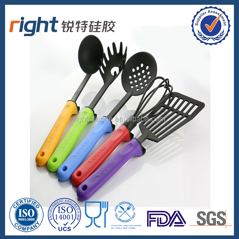 Wholesale 5-piece Nylon Utensil Set Including Whisk Slotted Turner and Spaghetti Server