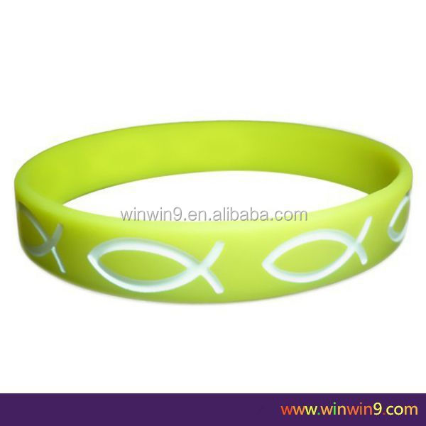 2014 newest trendy popular silicone bracelet bangle