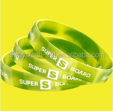 Factory wholesale multi-color rainbow silicone bracelet with OEM logo ,Mixed color rubber / silicone wristband