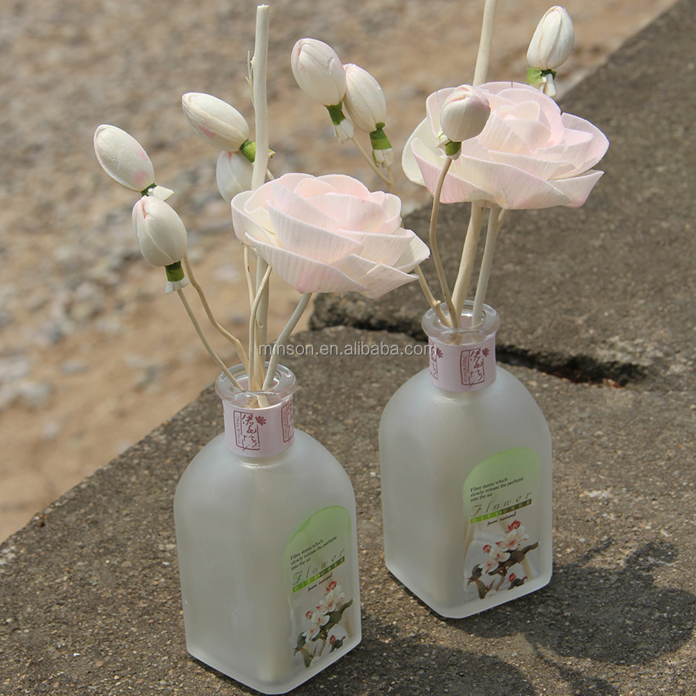 Wholesale natural aroma flower reed diffuser nature scents frosted glass bottle