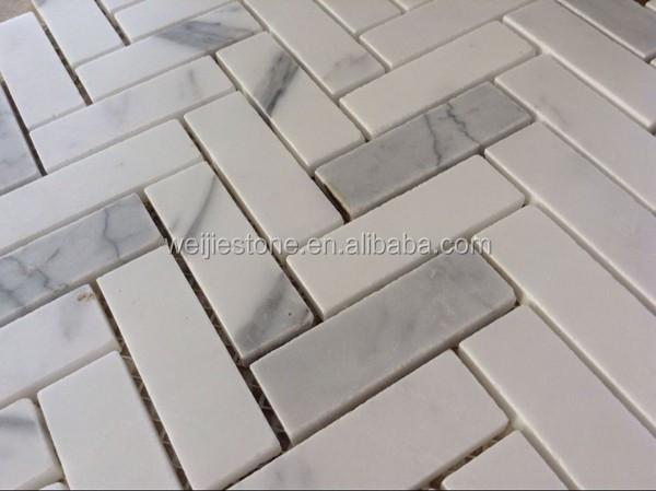 Bianco carrara wit marmeren tegels voor vloer en visgraat patroon ...