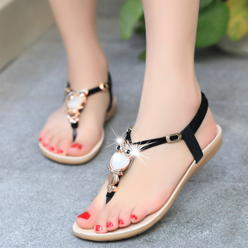 Find summer sandals from a vast selection of
